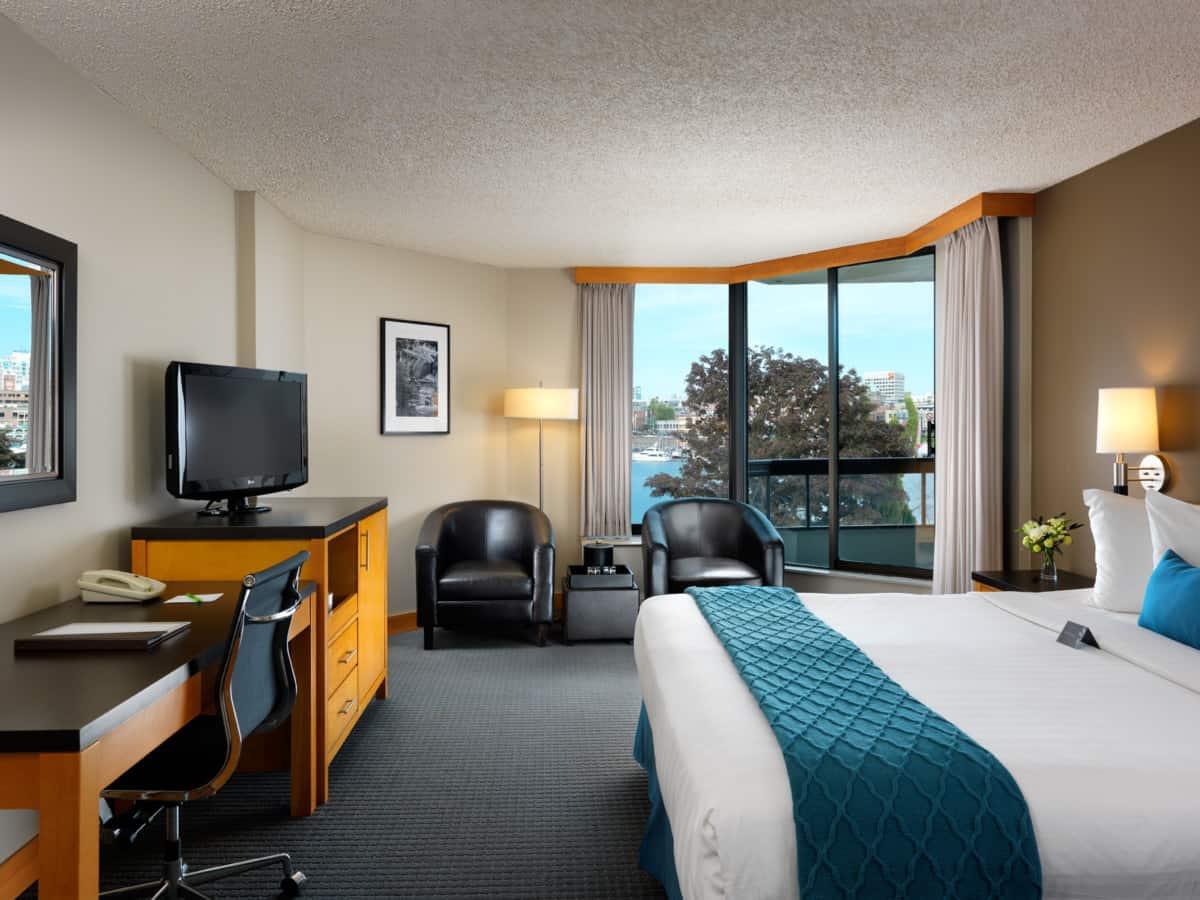 Bear Valley Ca >> Inn at Laurel Point - Vancouver Island BC Golf Vacations