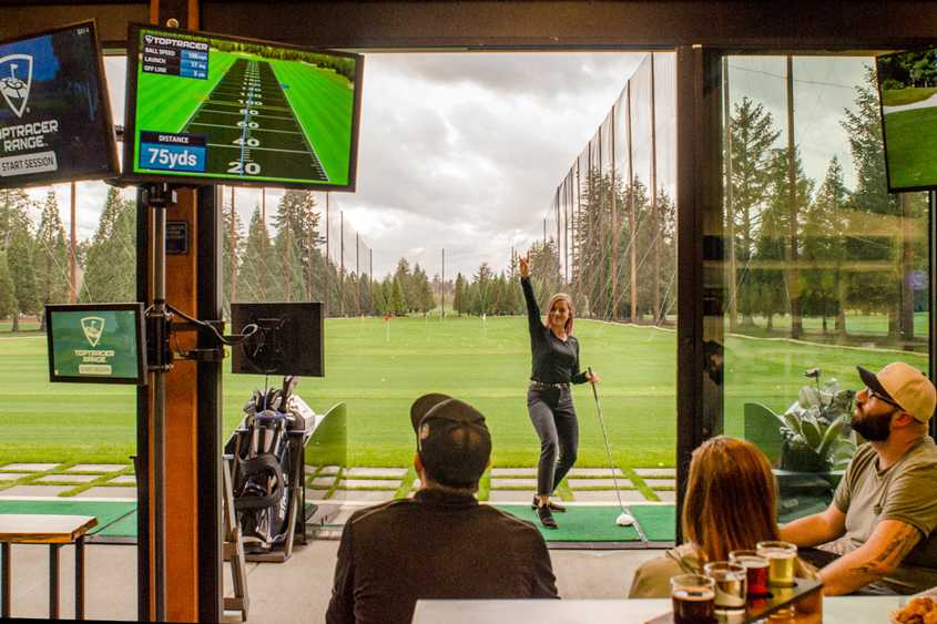 Velocity Lounge TopTracer Golf Vancouver Island